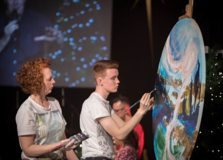 Bayside Church's Creative Team are a team of worshippers made up of musicians, dancers, actors and artists who are hungry for the presence of God.